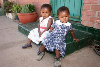 2-little-girls